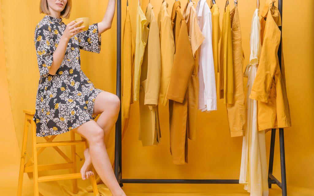 Szafa kapsułowa czyli capsule wardrobe – co to jest i jak stworzyć?